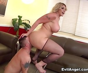 Big Booty Pussy Lick Porn